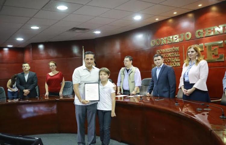 Irá de nuevo el priista González al Congreso local; tras reelegirse como legislador