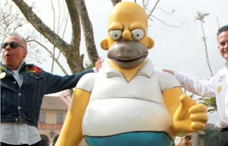 Inauguran una polémica estatua de Homero Simpson en un centro cultural de México