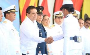 Gobernador perredista de Michoacán expresa apoyo a José Antonio Meade