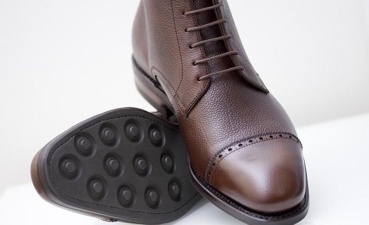 Los zapatos de gravilla son el último movimiento sutil de la moda masculina
