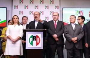 Anuncia René Juárez su renuncia a la presidencia del PRI; pide transformación