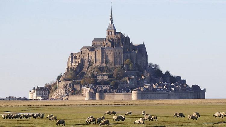"""Evacúan el Monte Saint-Michel debido a """"un individuo peligroso"""""""