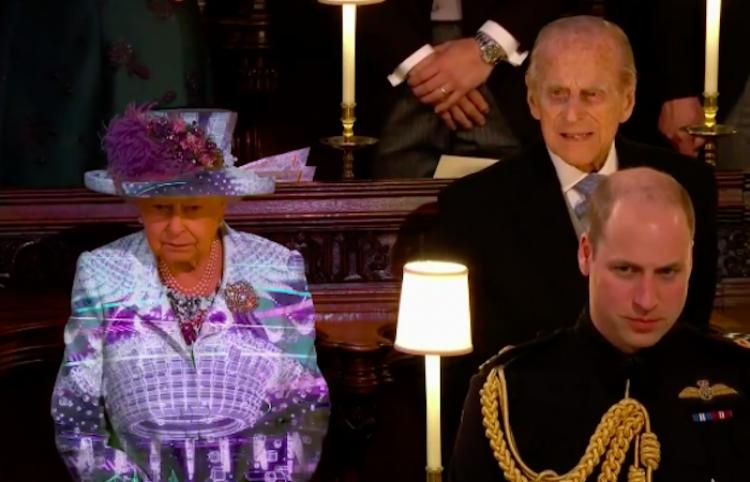 Nunca nos cansaremos de ver este video de la Reina cambiando atuendos tan rápido