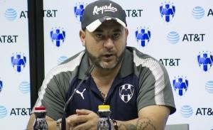 Problema de Rayados radica en la defensa, señala Antonio Mohamed