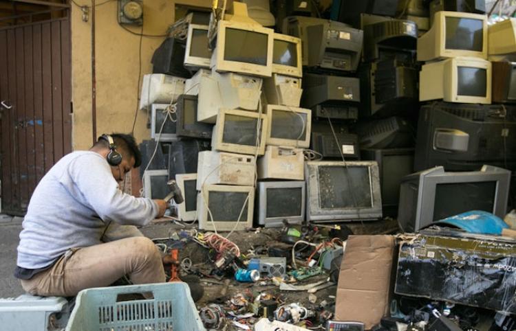 Ordenan a Semarnat informar sobre basureros para electrónicos