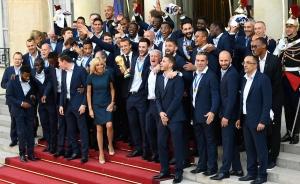 VIDEO: Selección de Francia con recibimiento heroico tras ganar el Mundial