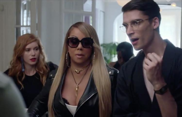 Mariah Carey se queda en un hostal...