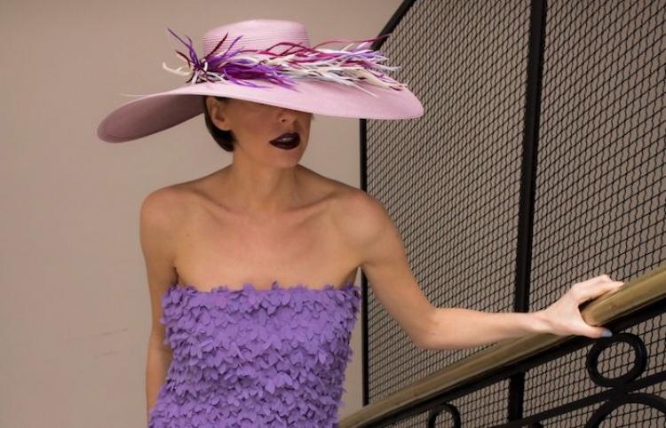 Damas de la Corte presenta con Cisnal su colección de alta costura Blue Birds