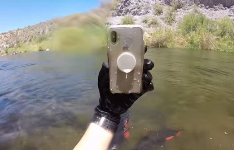 Encuentra un iPhone X que sobrevivió bajo el agua más de 2 semanas