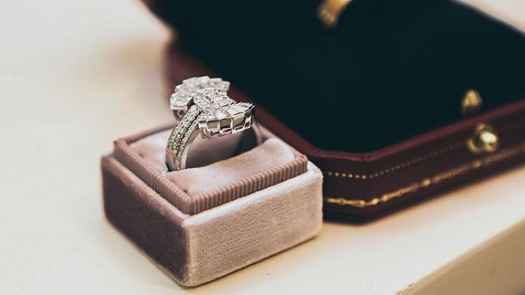 Turista se traga un anillo de diamantes de 40 mil dólares