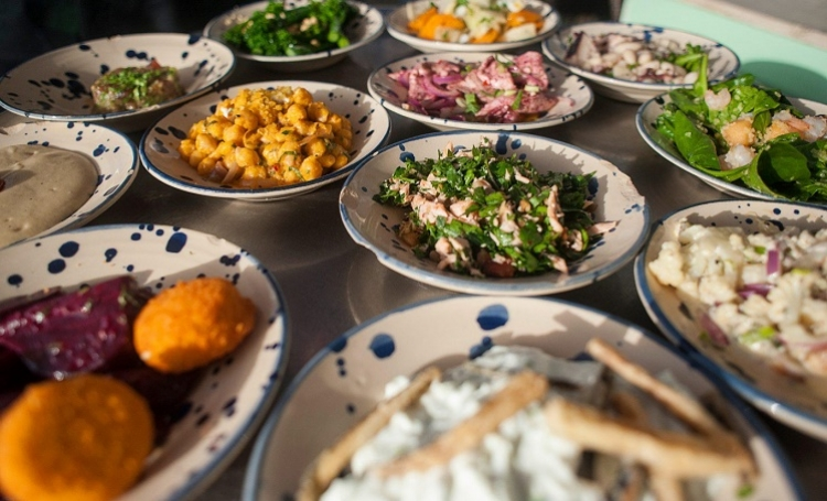 Una guía de Ottolenghi para comer en Israel, el nuevo punto de acceso gastronómico