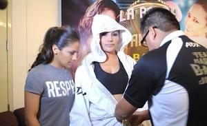 """Boxeadora """"Barby"""" Juárez es un ejemplo de superación y perseverancia"""