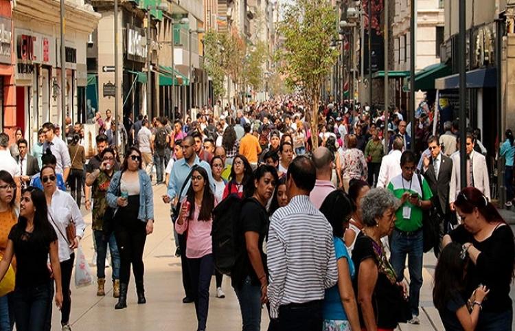 Estudian politécnicos alumbrar la calle de Madero con las pisadas de los peatones