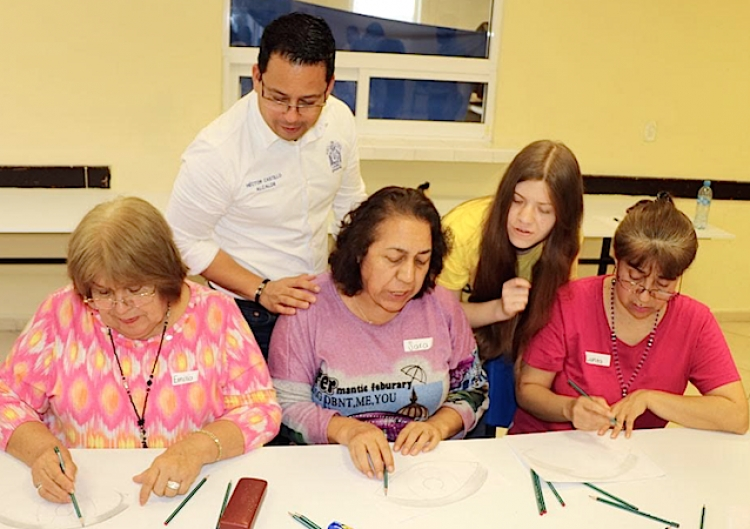 Implementará SC talleres gratuitos de habilidades y esparcimiento para abuelos