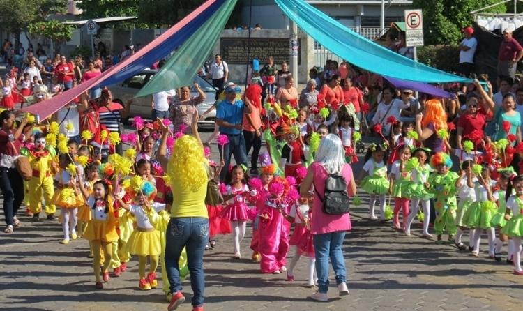 Arrancan actividades del Carnaval de Armería, en Colima