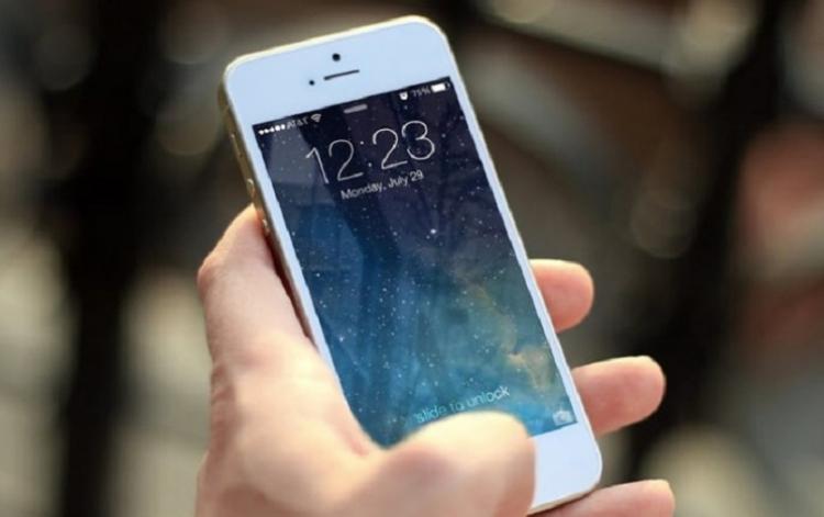 Precios de telefonía móvil bajan 43 por ciento en últimos cinco años