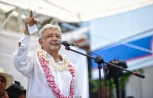 López Obrador recoge el sentir de veracruzanos en gira por la entidad