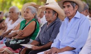 Proponen impulsar espacios culturales para adultos mayores