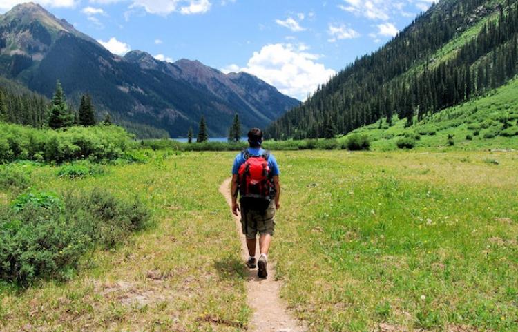 Se le esfumó el hotel: Turista ebrio se pierde en los Alpes y escala una montaña de 2.400 metros