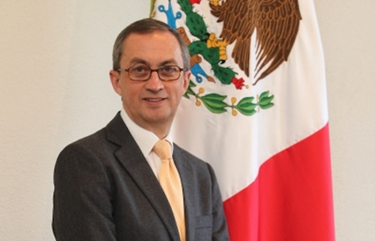 Presentan en París Año de México en feria industrial mundial