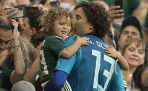 Ochoa descarta distracciones para juego con Suecia por triunfo alemán