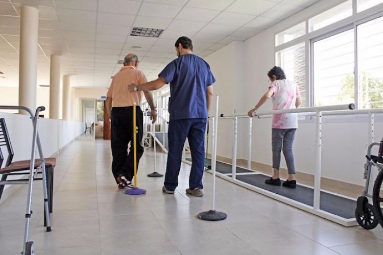 Proponen que fisioterapeutas sean reconocidos como profesionistas