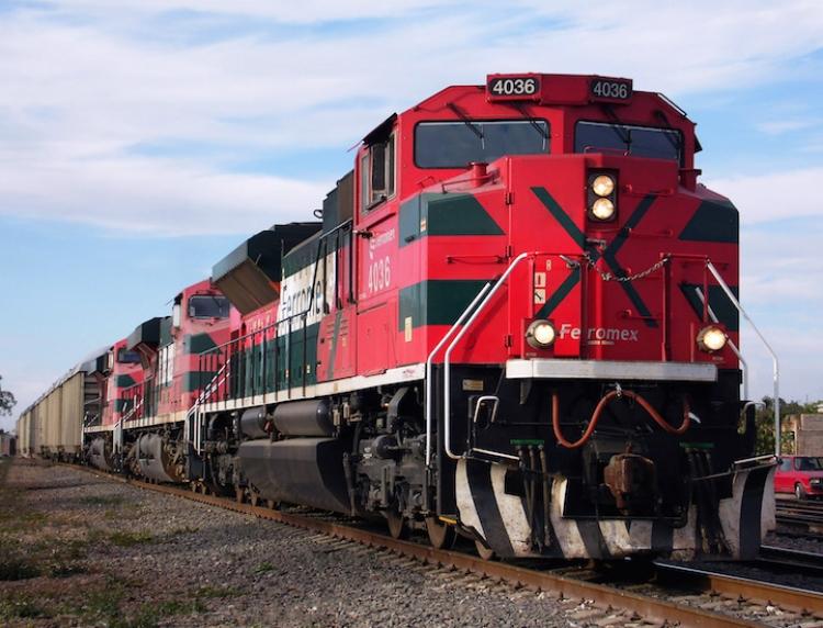 Industriales de N L solicitan un sistema ferroviario más competitivo