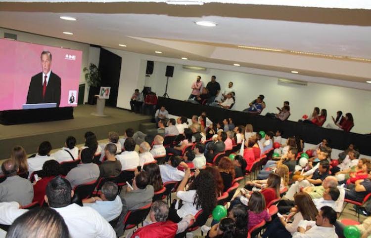Priistas de Nuevo León celebran triunfo de Meade en primer debate