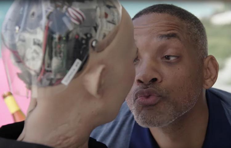Will Smith sale humillado de su desastrosa cita romántica con la robot Sofía