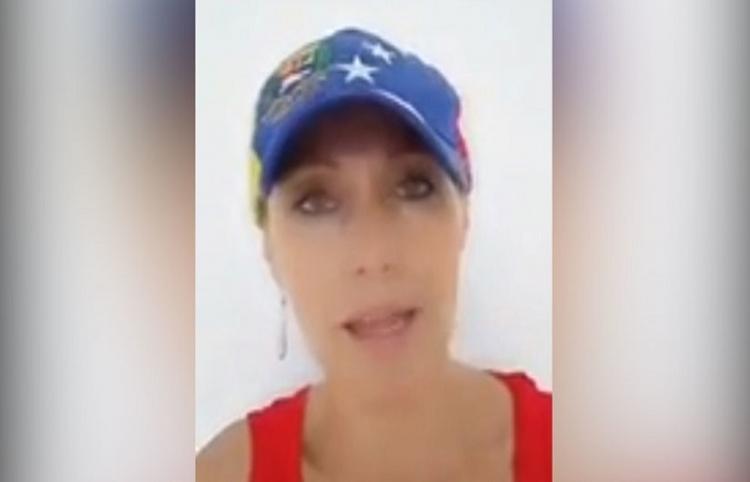 Una mujer recibe insultos en Colombia por caminar con una gorra de Venezuela