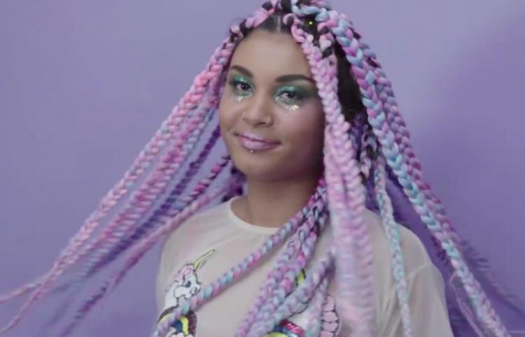 Así puedes trenzar tu cabello de color de unicornio