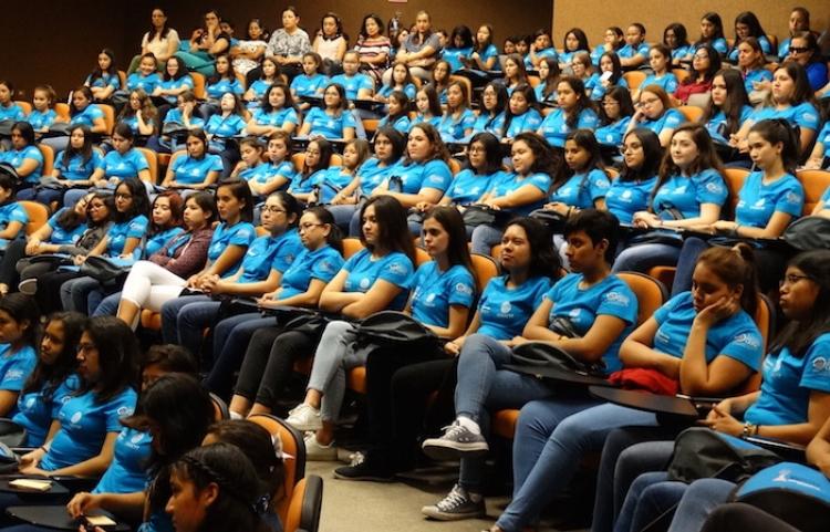 Inauguran Sexta edición del programa Mujeres en la ciencia