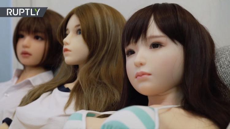"""""""Mis cuatro muñecas sexuales me enseñaron a ser una persona más decidida"""""""