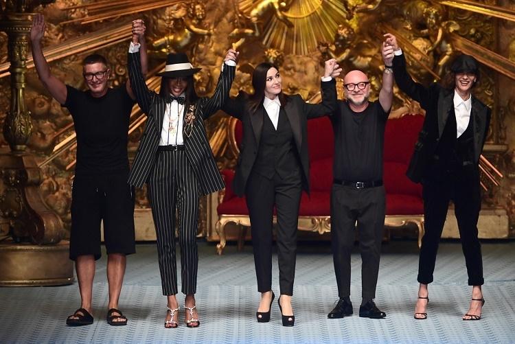 Naomi Campbell y Monica Bellucci iluminan la semana de la moda de Milán