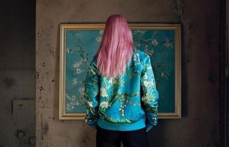 El Museo Van Gogh agota en dos días una colección de ropa basada en sus obras