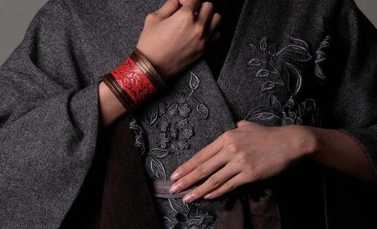 Riri Rengganis sobre la alta moda étnica, reinventando Indonesia