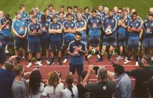 Jugador de Suecia lamenta insultos racistas y amenazas de seguidores