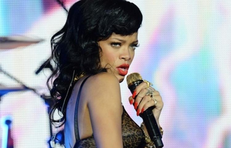 Rihanna VS Snapchat: Por trivializar violencia machista