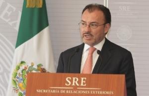 México mantendrá protección consular a niños migrantes en EUA: Videgaray
