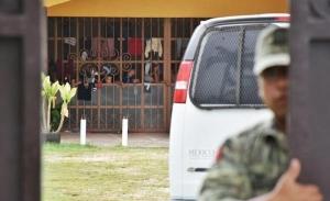 Arman revuelta migrantes en refugio de Villahermosa