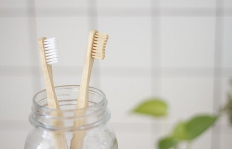 Sancionan a proveedores de cepillos dentales por prácticas monopólicas