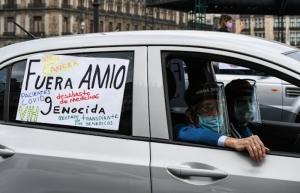 Frente Nacional Ciudadano realiza caravana para exigir renuncia de AMLO