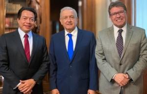AMLO recibe a Monreal y Delgado, líderes de Morena en el Congreso