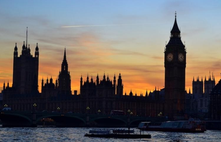 Gran Bretaña roza las 140.000 muertes por covid-19 tras notificar 263 en un día