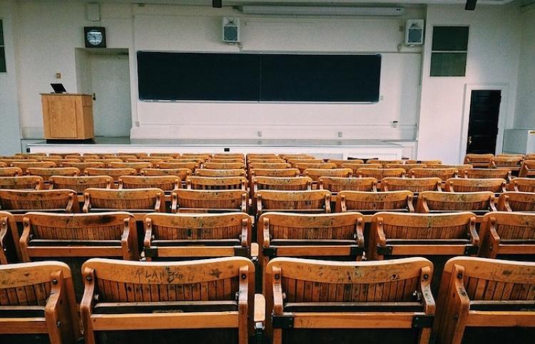 Caen inscritos para rendir prueba de acceso a las universidades en Chile por pandemia