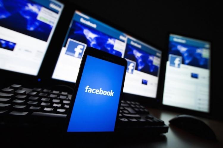 Facebook dice que penará a grupos por discurso de odio de sus miembros
