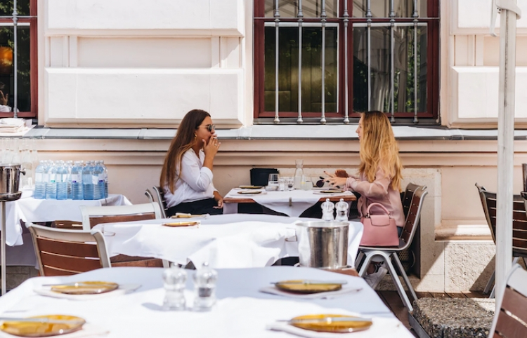 Restaurantes de Georgia reabren al aire libre