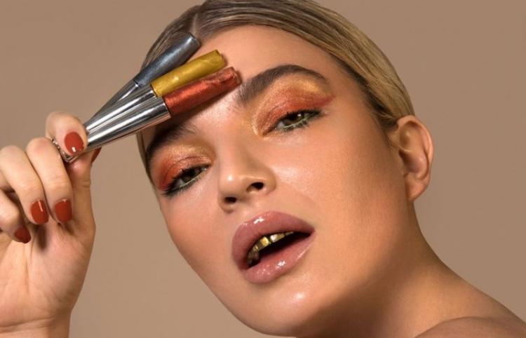 El maquillaje para dientes es la nueva tendencia más aclamada y extraña del año