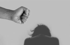 Confinamiento agravó violencia hacia las mujeres: especialistas