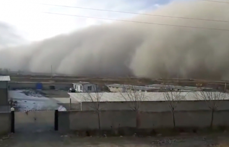 Una tormenta de arena 'se traga' una ciudad china en cuestión de minutos